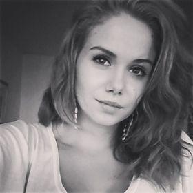 Simone T
