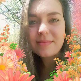 Vicky Naude