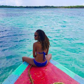 Island Girl In-Transit - Travel Blogger