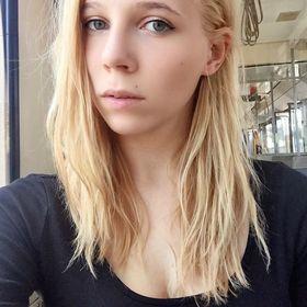 Krisztina Tömő