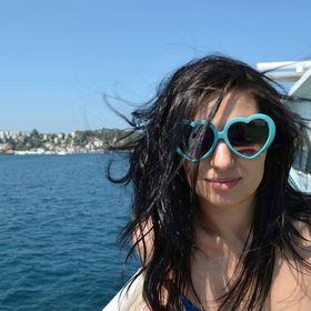 Claudia Ganea