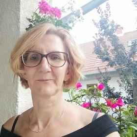 Júlia Virág