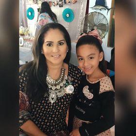 Monica Flores Iñiguez