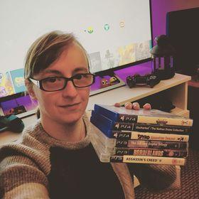 Gamercreatrix | Michelle