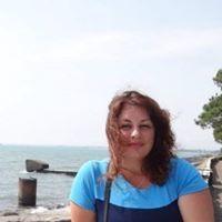 Моника Саджая
