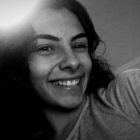 Ana Júlia Sales
