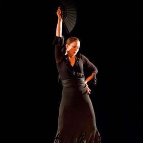 Laura Onizuka - Experience Flamenco Dance & Travel