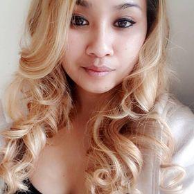 Morgane Sinem / Conseillère beauté & Bien-être