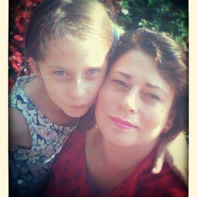 Emília e Duda Barros.