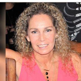 Carmen Saldaña