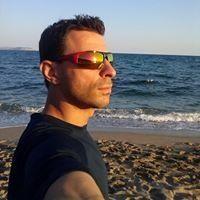 Dimitris Papanikos
