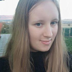 Laura Pavurova