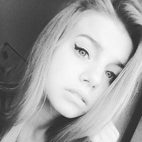julia amelia
