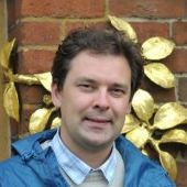 Dr Stanislav Edward
