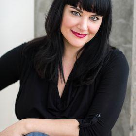 Jessica Daniels - Personal Brand Photographer