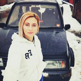 Adina Pop