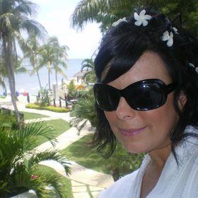 Amy Hamilton-Lewis