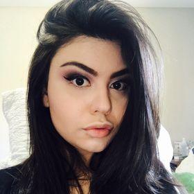 Maria Carolina Oliveira