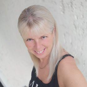 Ilona Ágnes Jezsoviczki