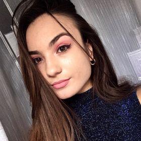Laura Agache