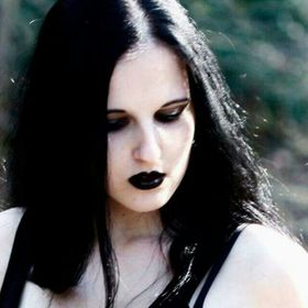 Amber Selene