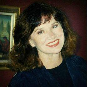 Elise Kelly