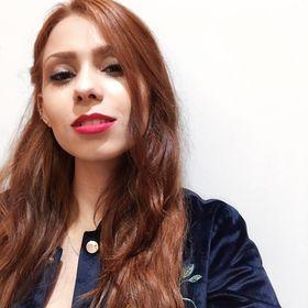 Bella Ferreira