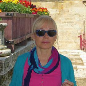 Elena Azor