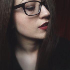Shani Jasmine | Beauty + Lifestyle Blogger