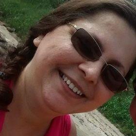 Esther Almeida Tecart