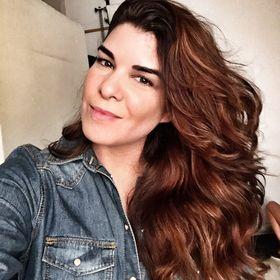 Bettina Frúmboli Estudio de Maquillaje