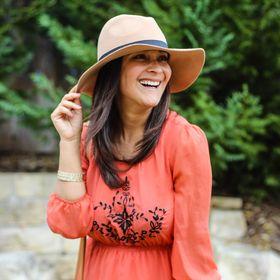 Alfa Sengupta || Mama + Lifestyle Blogger