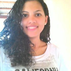 Camilla Fernandes