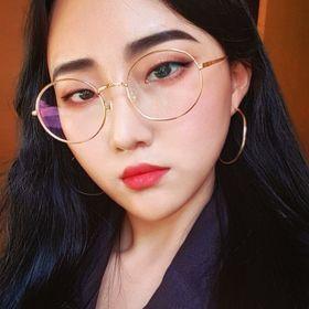 Hoyoung Esther