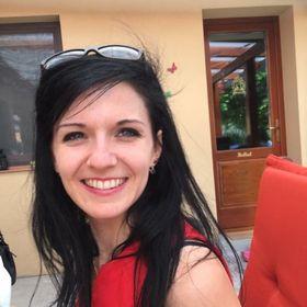 Júlia Éva Horváth