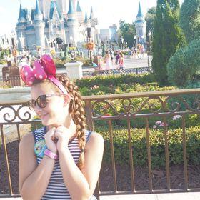 Polka Dots & Pixie Dust   Disney Vacation Planning