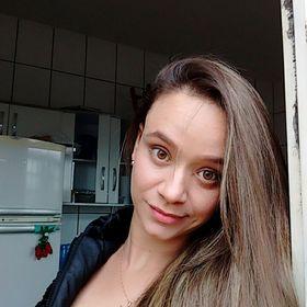 Mônica Fernandes