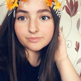 Ellie Louisa