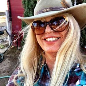 Karen Petty ...an artist in Laguna