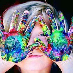 Léa Leroy | enfant | activités | jouet | montessori | livres |