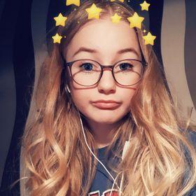 Julia ⚘🥀