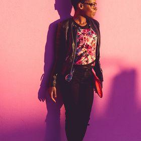 Lucy Dazilma   Writer + Creative Entrepreneur