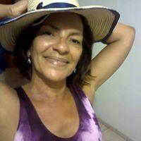 Deuza Carvalho