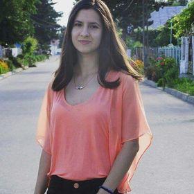 Roxana Ellena