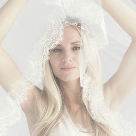 Laura Jayne Modern Wedding Veils | Chic Accessories