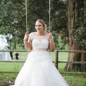 Jennifer Burch Photography - wedding photographer