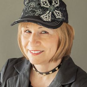 Gloria Ferris, Mystery  & Fantasy Author