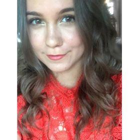 Stephanie | Productivity, Self Care + Goal Setting Tips