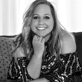 Rebecca Keselburg is Inspiring Your Shine as a Personal Growth Mentor & Podcaster.