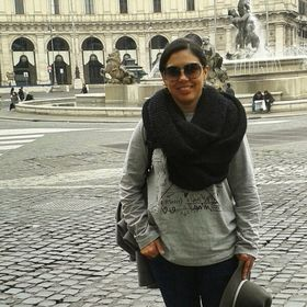 Monica Laverde Roman
